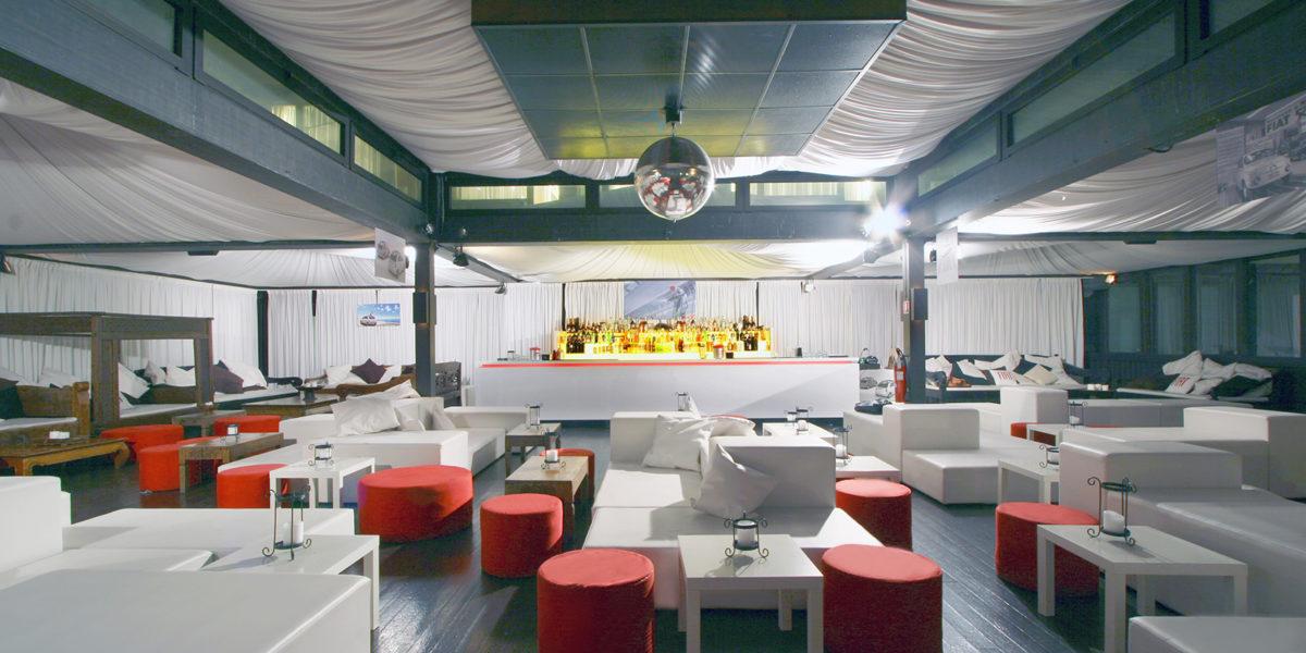 Interni di design del Fiat Lounge a Milano