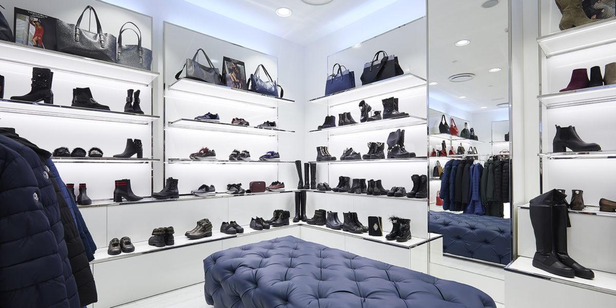 soluzione d'arredo negozio Tosca Blu ad Orio Center