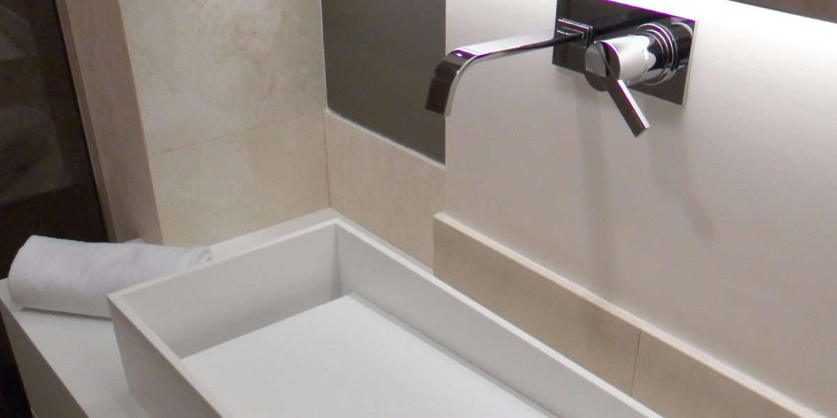 dettaglio bagno moderno bianco
