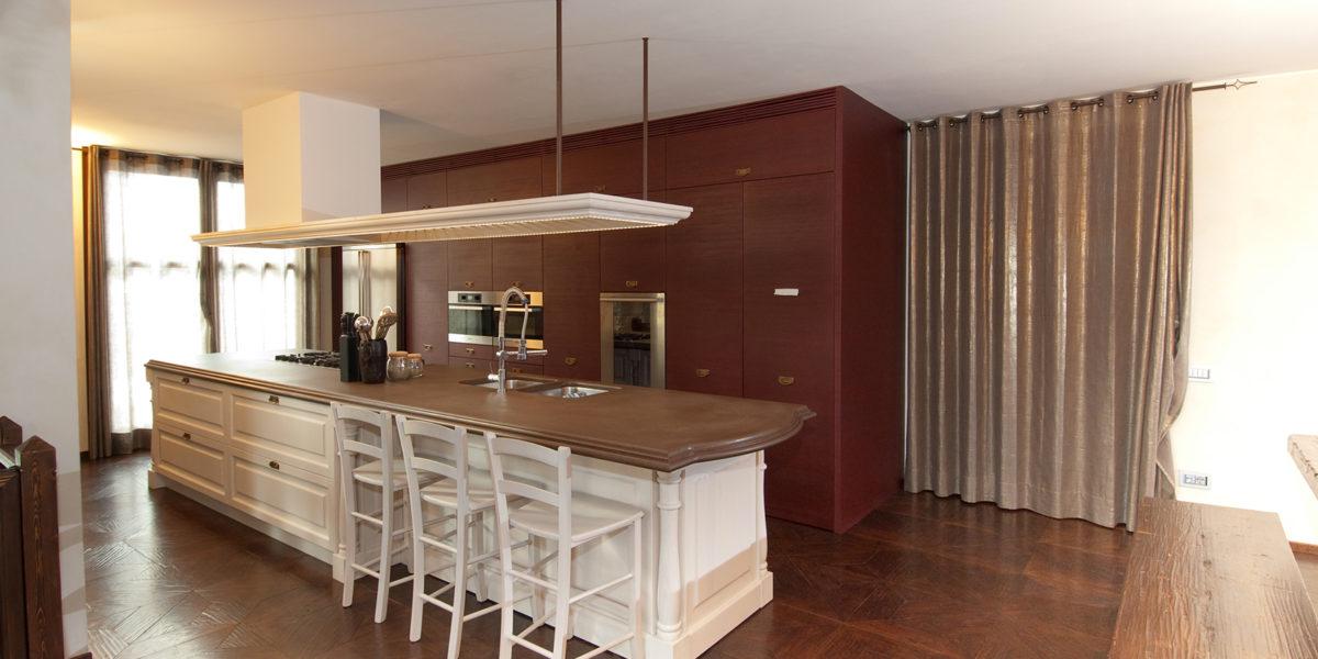 cucina neo classica appartamento in Bergamo