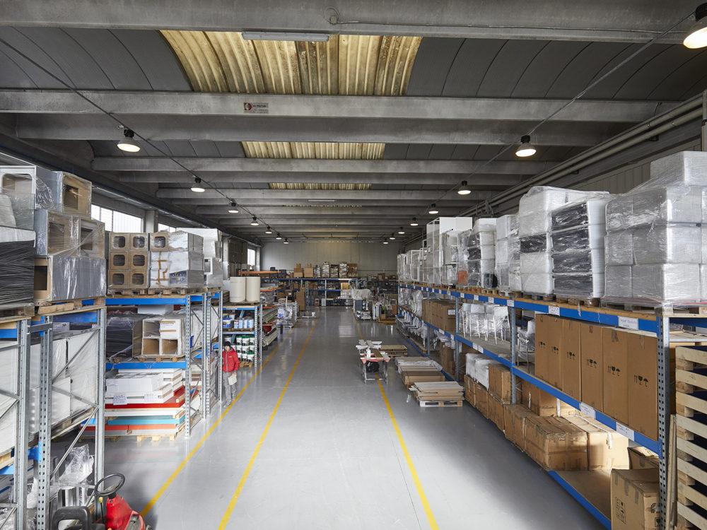 deposito materiale per allestimenti e stand